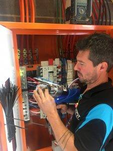licensed commercial electrician in Thomastown